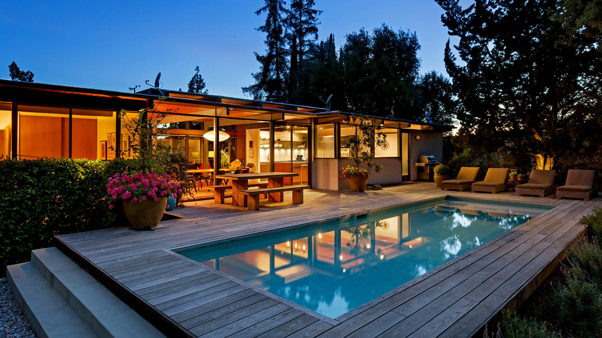 That sky-high asking price for a luxury home? Don't take it to the bank
